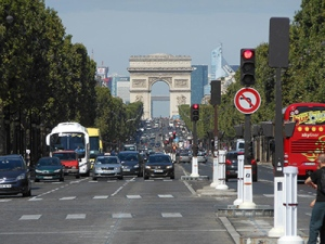 GuestBlog1_ChampsElysees